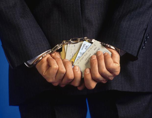 взял кредит для друга он не платит, надо ли платить кредит взял для друга, банк подал в суд кредит для друга, кредит для знакомого взыскивают по суду,