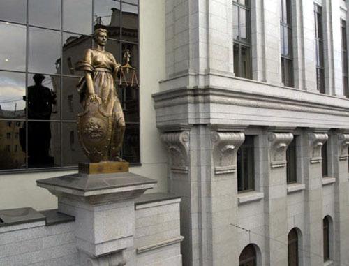 По мнению Верховного Суда РФ, плата за предварительную продажу билетов перевозчиками не является противозаконной