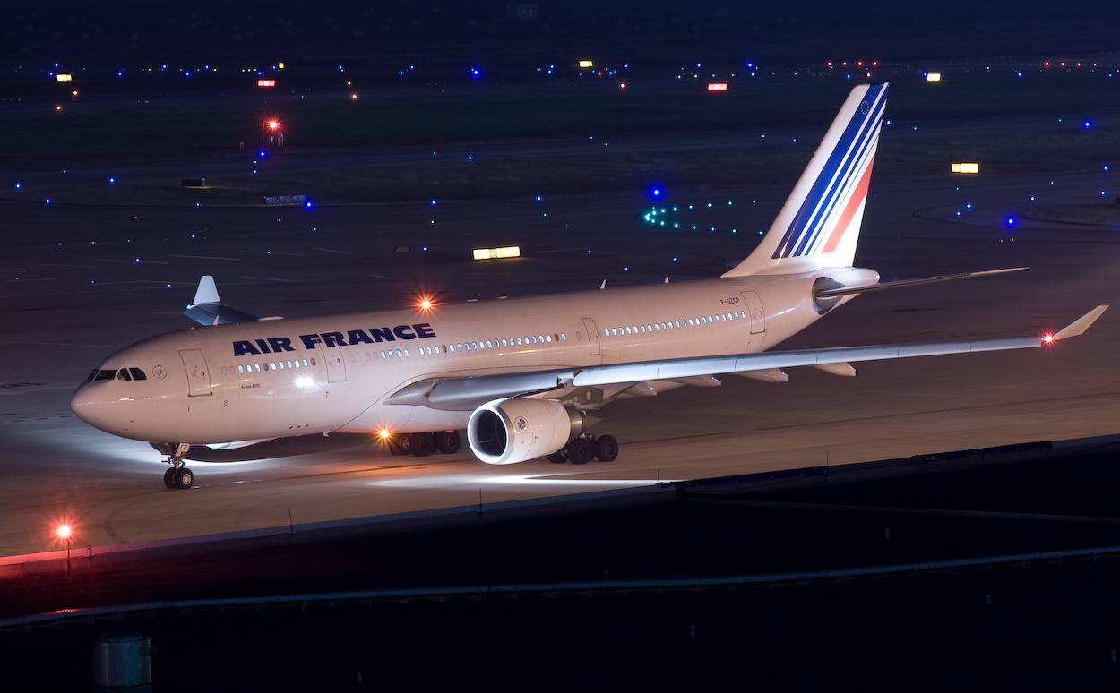 """Авиакомпания Air France по решению суда компенсирует пассажирке убытки, связанные с продажей """"лишнего"""" билета, фото: airsafe.com"""