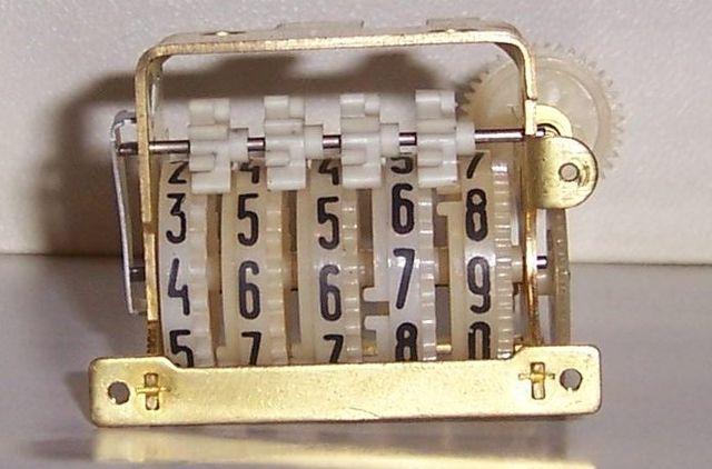 неисправный счетчик, требуют замены счетчика, как начисляют плату жкх сломан счетчик, что делать для замены счетчиков в квартире, когда менять счетчики в квартире, замена электросчетчиков, обман с установкой счетчиков, неисправные счетчики,